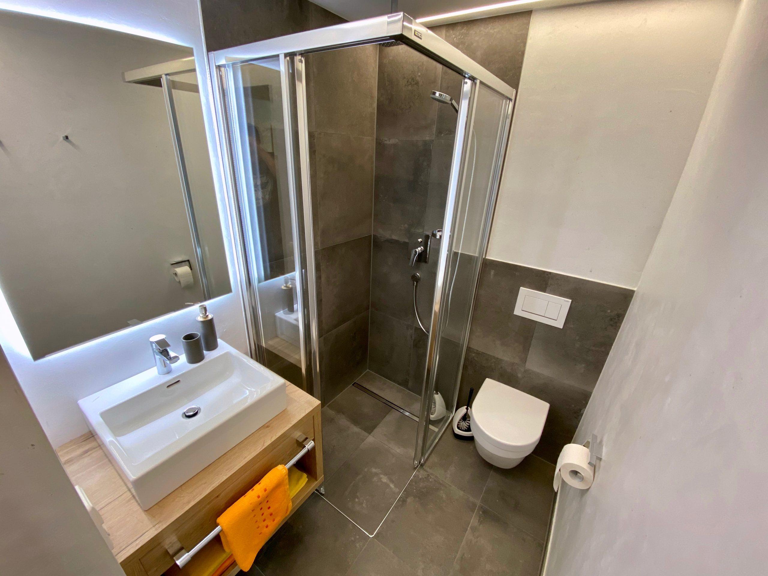 Ferienwohnung 2, Badezimmer